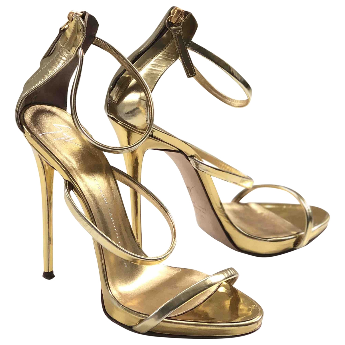 Giuseppe Zanotti \N Gold Patent leather Sandals for Women 39 EU