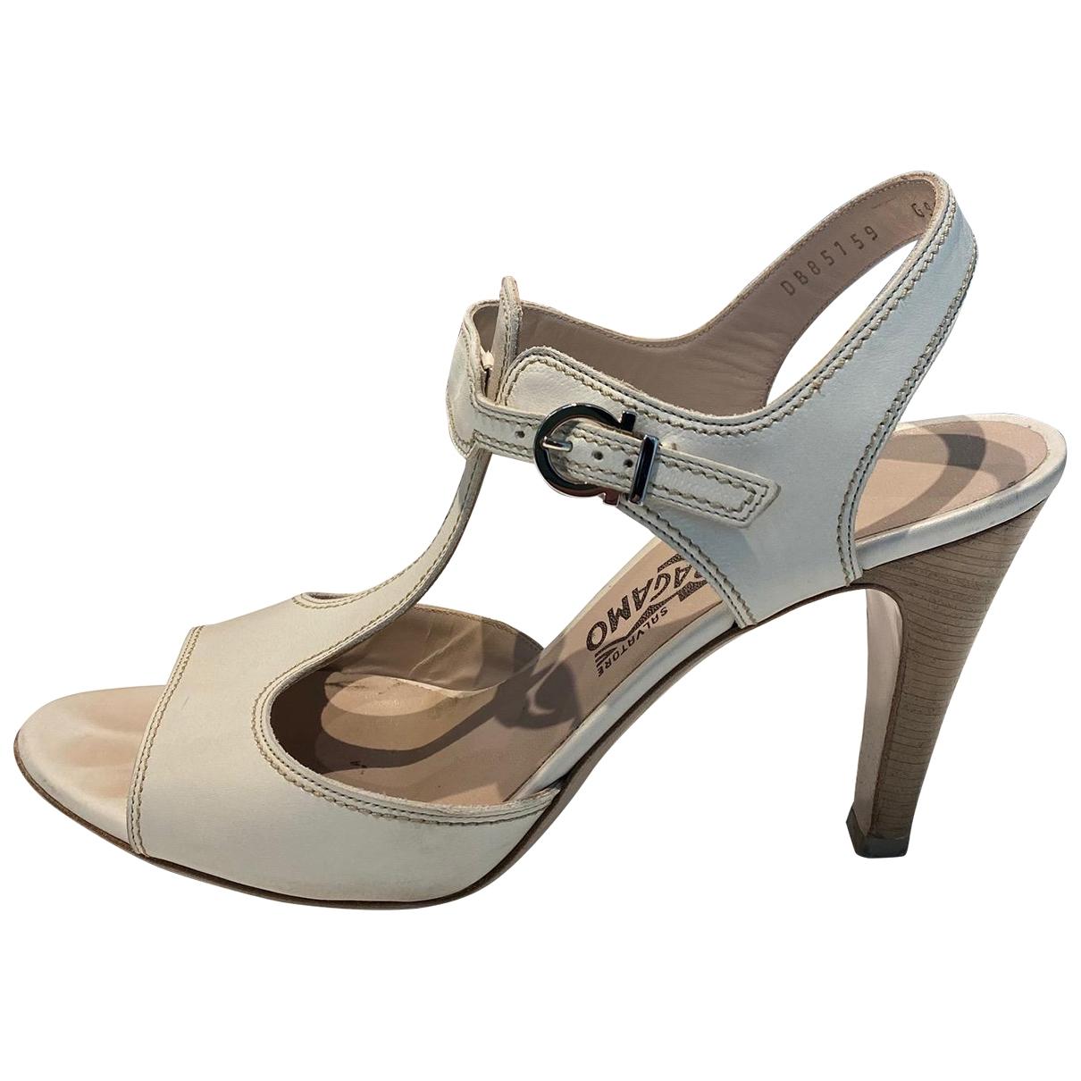 Salvatore Ferragamo \N Beige Leather Sandals for Women 40 IT