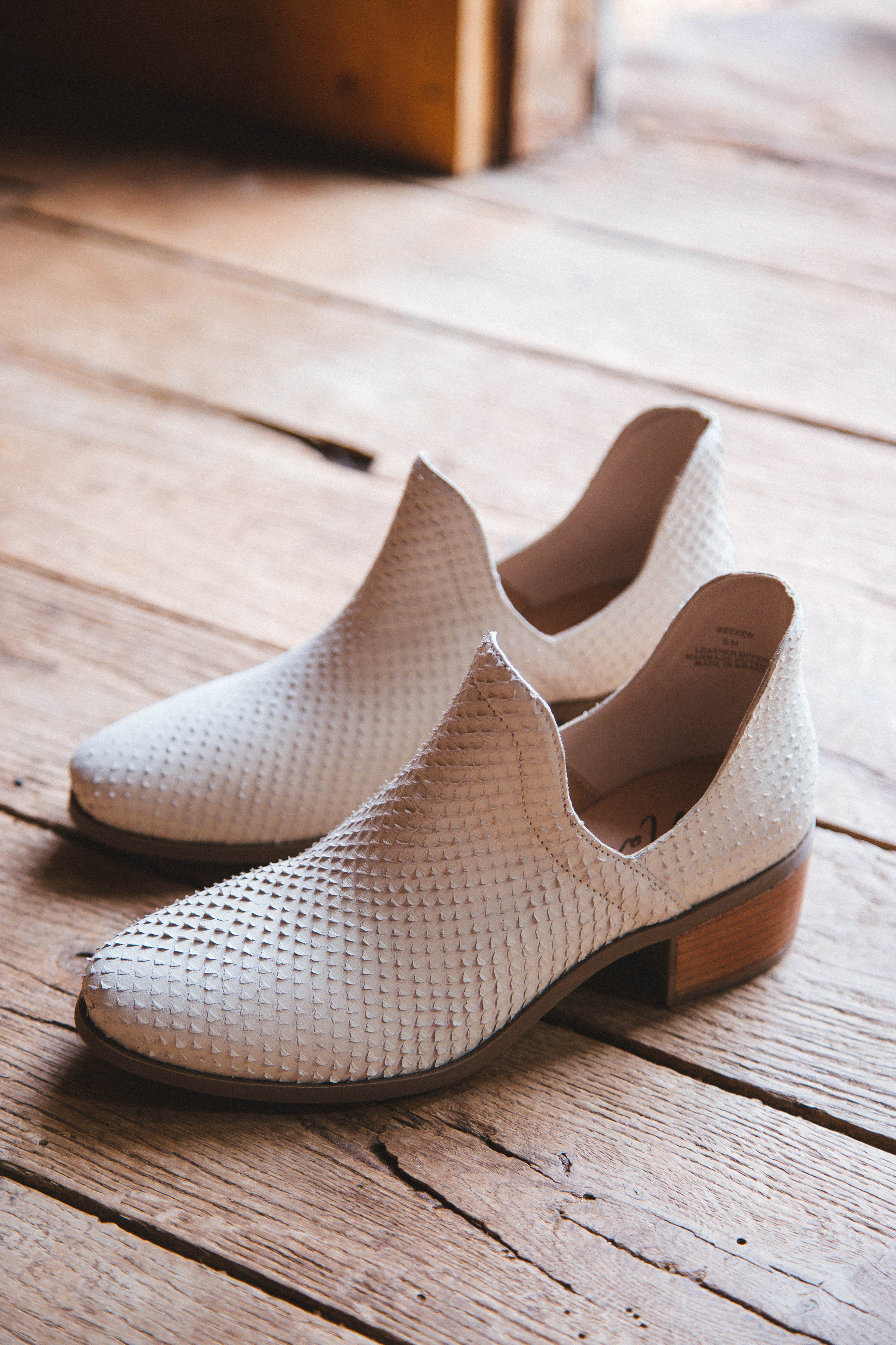 Seeker Textured Leather Bootie Ivory | Matisse