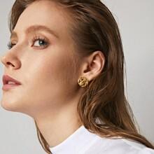 Letter Decor Stud Earrings