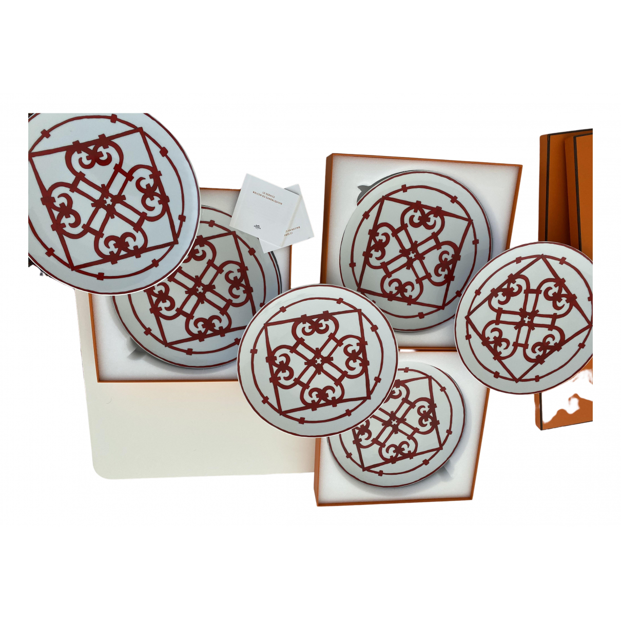 Hermès Balcon du Guadalquivir Red Porcelain Dinnerware for Life & Living \N