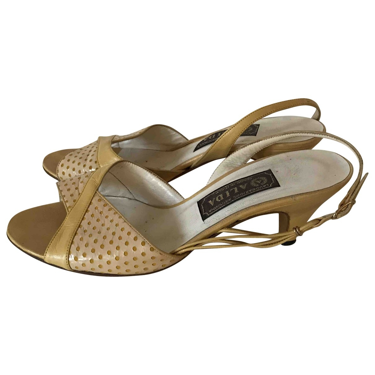 Non Signé / Unsigned \N Yellow Leather Sandals for Women 37 EU