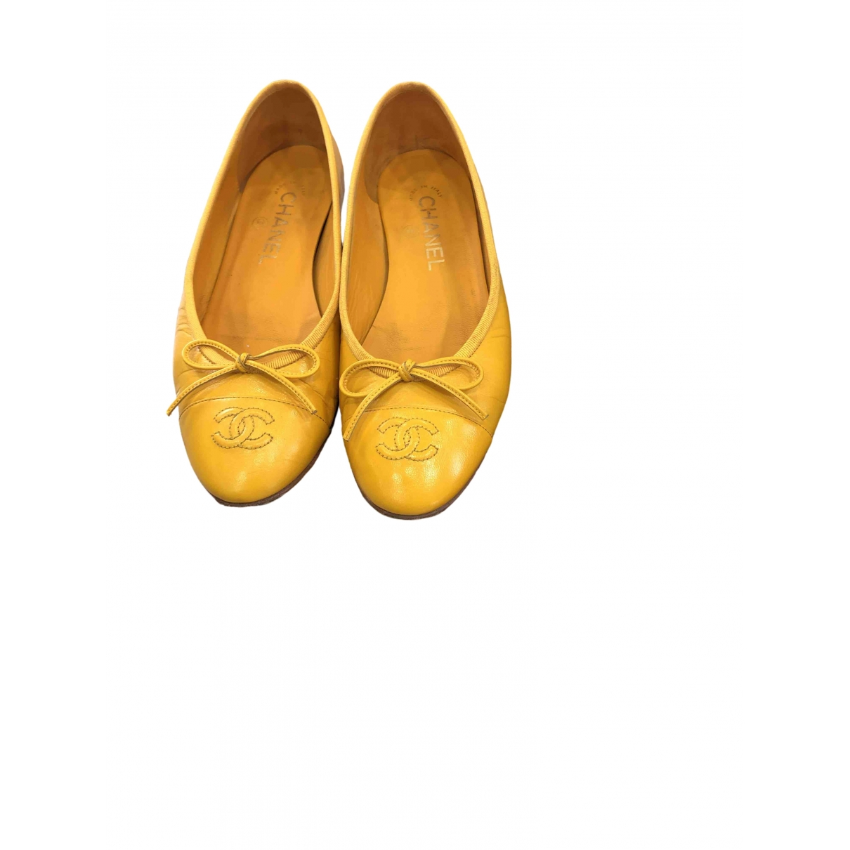 Chanel \N Yellow Leather Ballet flats for Women 37.5 EU