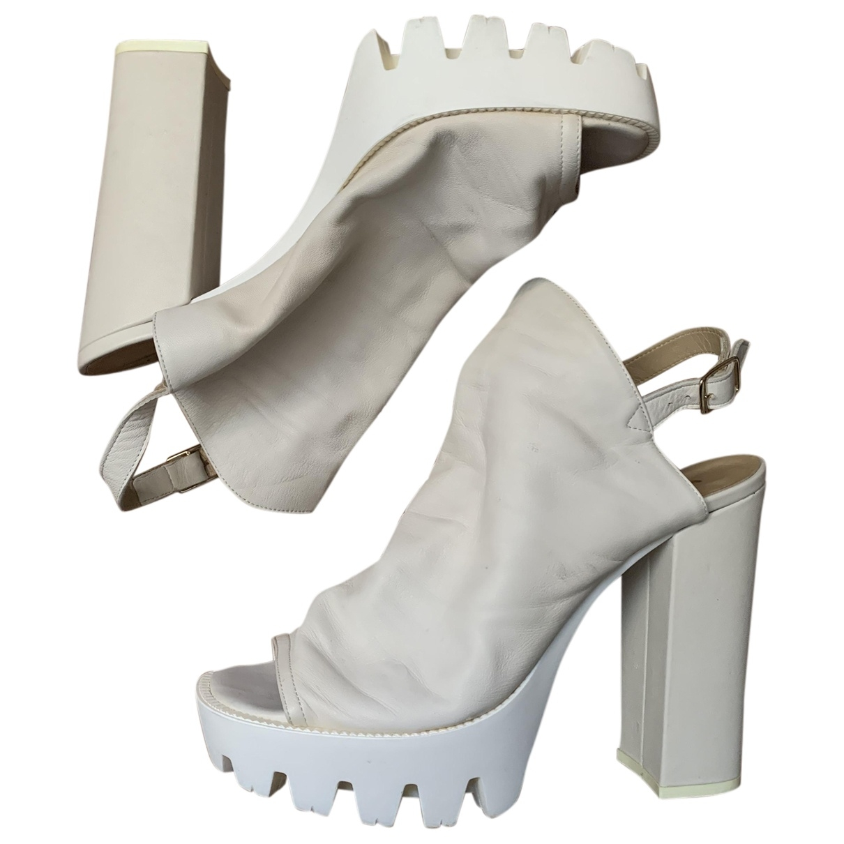Non Signé / Unsigned \N White Leather Sandals for Women 40 IT