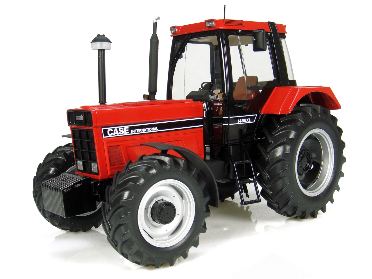 1986 Case IH 1455XL Tractor (2nd Generation) Limited Edition to 2000 pieces Worldwide 1/16 Diecast Model by Universal Hobbies
