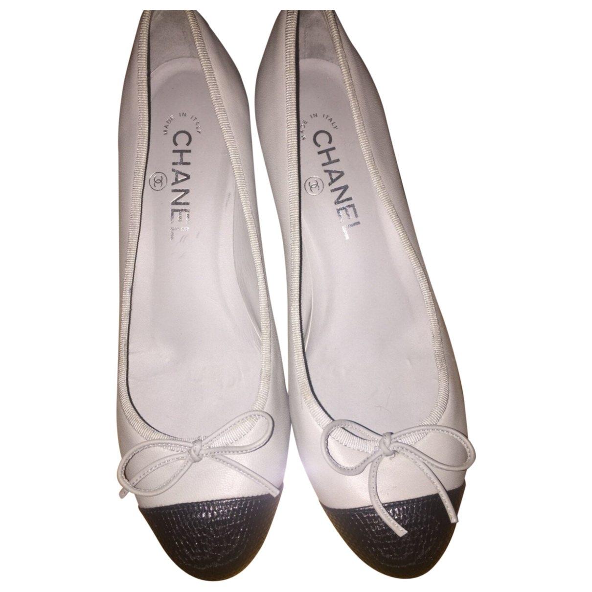 Chanel \N Blue Leather Ballet flats for Women 38.5 EU