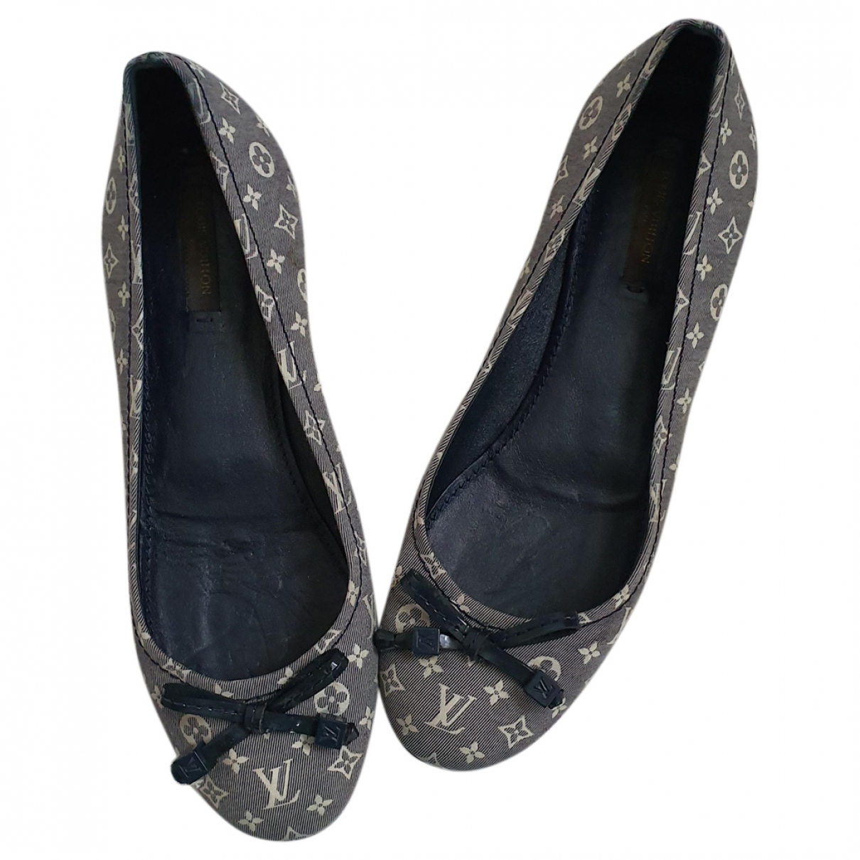 Louis Vuitton \N Grey Cloth Ballet flats for Women 38 EU