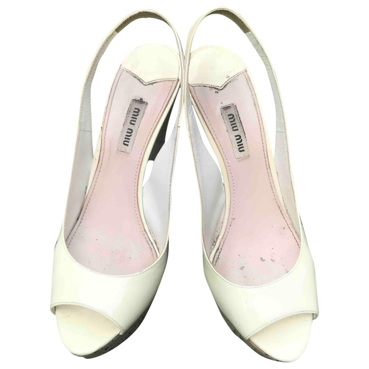 Miu Miu \N White Patent leather Sandals for Women 39 EU