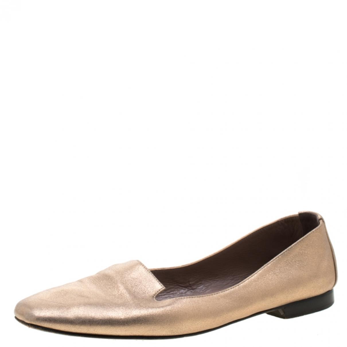 Hermès \N Gold Leather Flats for Women 38.5 EU