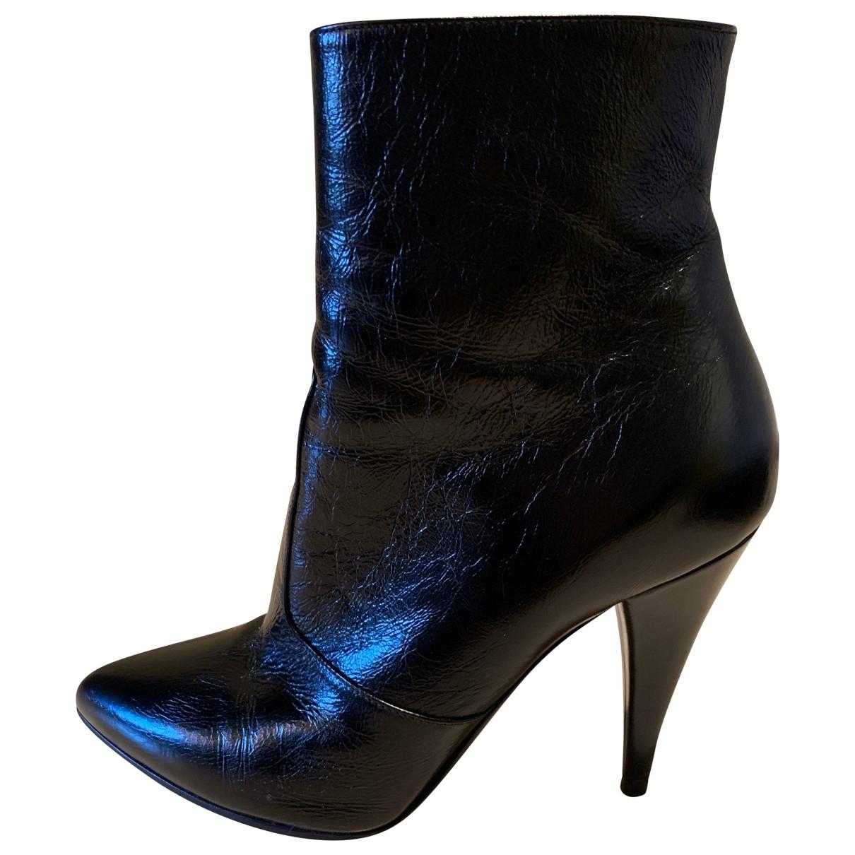 Saint Laurent \N Black Leather Ankle boots for Women 37 EU