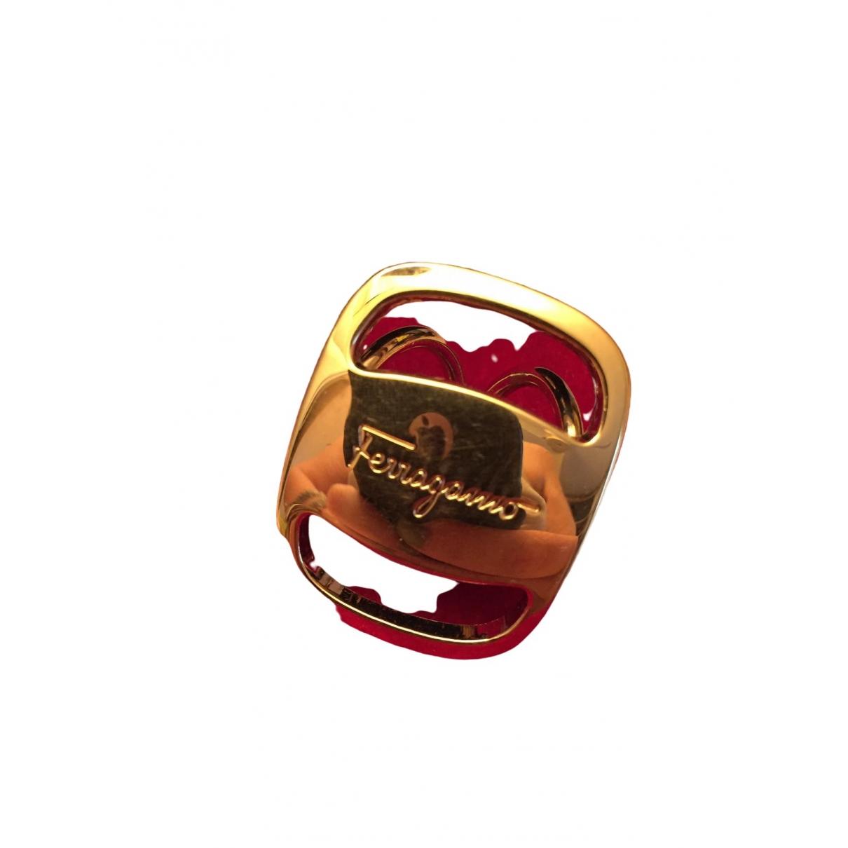 Salvatore Ferragamo \N Gold scarf for Women \N