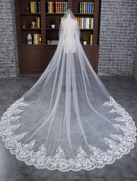 Milanoo Lace Wedding Veil Ivory One-tier Oval Lace Applique Edge Sequin Bridal Cathedral Veil With Comb