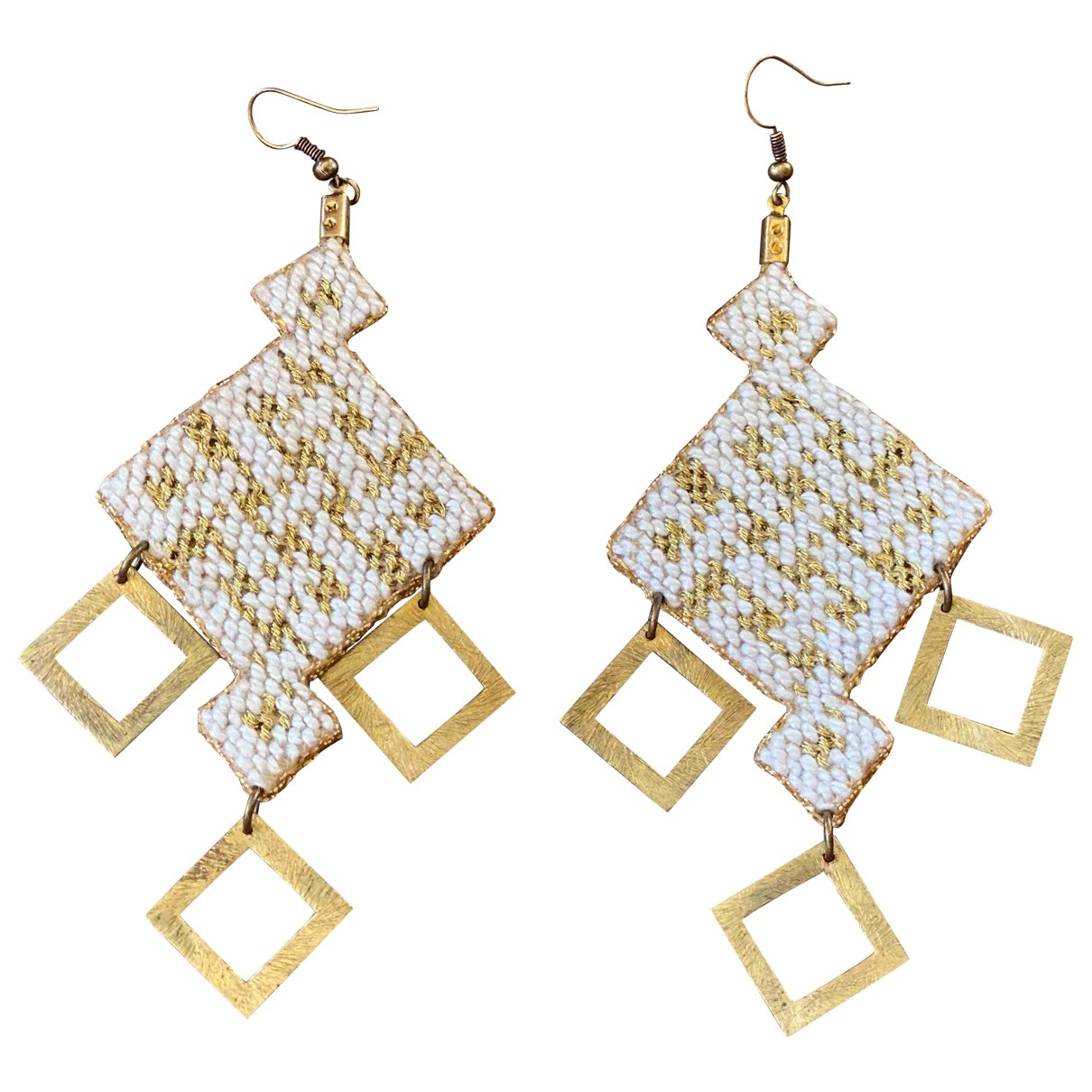 Non Signé / Unsigned \N White Metal Earrings for Women \N