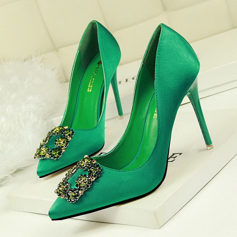 Ericdress Rhinestone Slip-On Plain Stiletto Heel Pumps