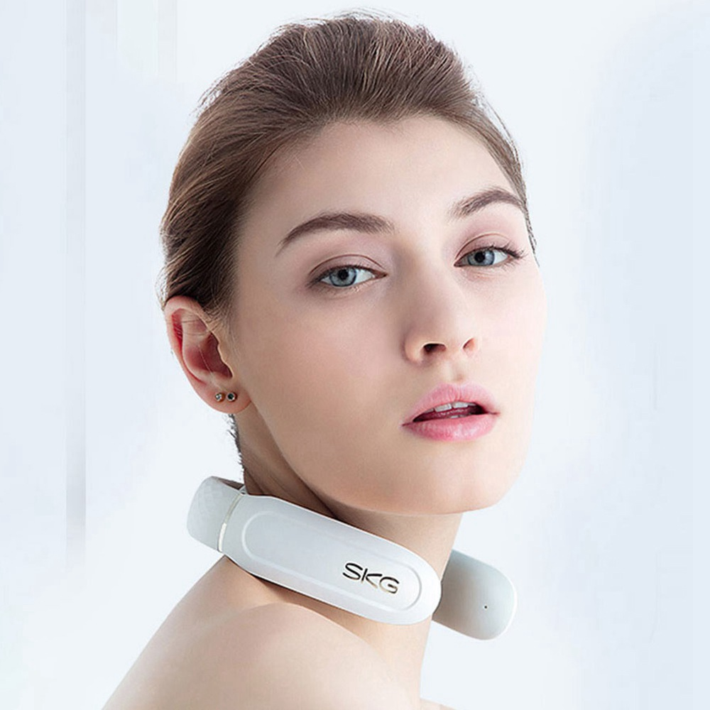 SKG Smart Neck Massager with Heating Function, Wireless 3D Travel Neck