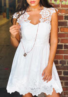 Lace Splicing Hollow Out Mini Dress without Necklace - White