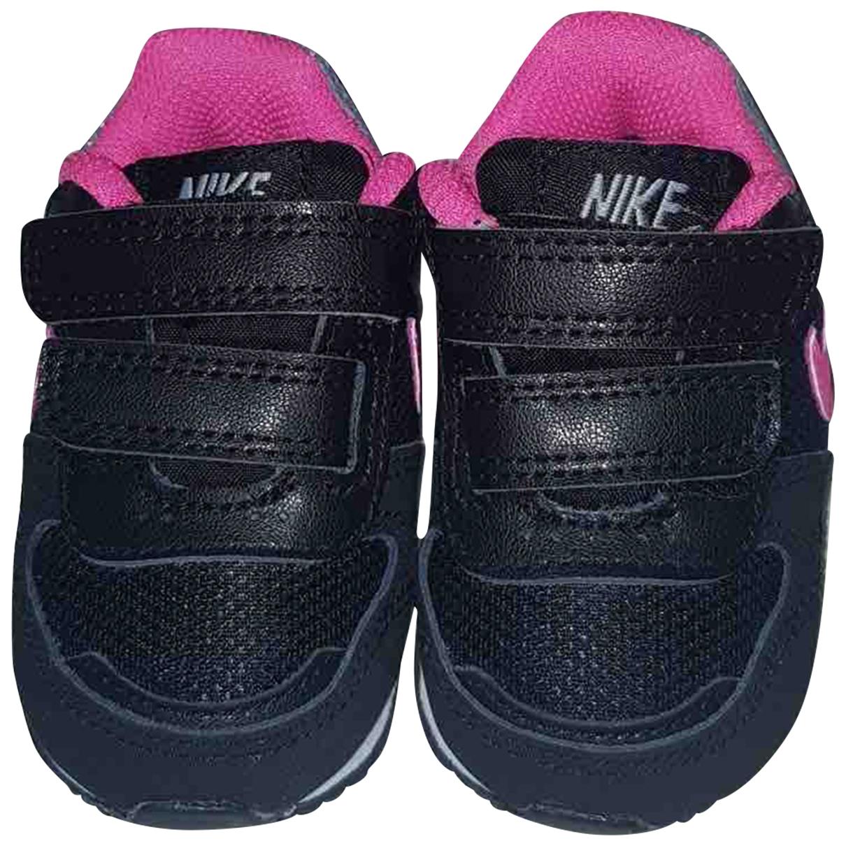 Nike \N Black Cloth Trainers for Kids 17 EU