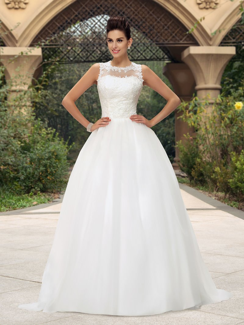Ericdress Jewel Neckline Appliques Button Wedding Dress