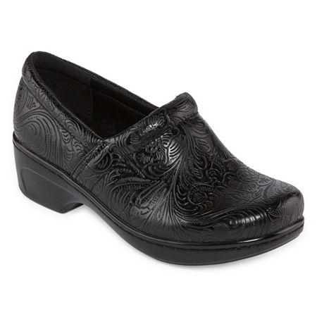 Yuu Bethanee Slip-On Shoes, 7 1/2 Wide, Black