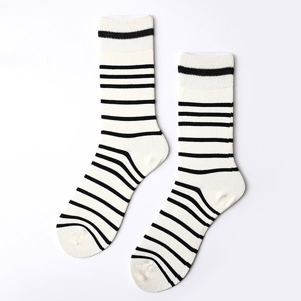 Men Women Cotton Breathable Middle Tube Socks Fashionable Warm Socks