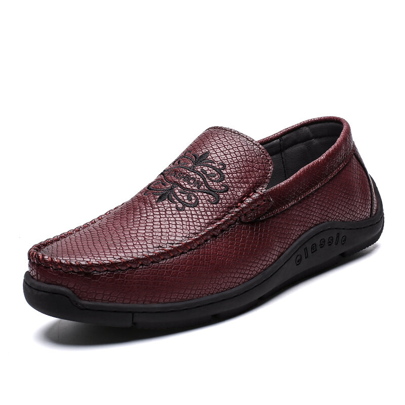 Men Hand Stitching Microfiber Leather Non Slip Soft Sole Casual Shoes