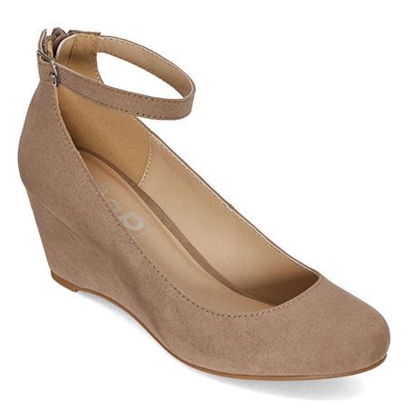 Pop Womens Legacy Closed Toe Wedge Heel Pumps, 8 Medium, Beige