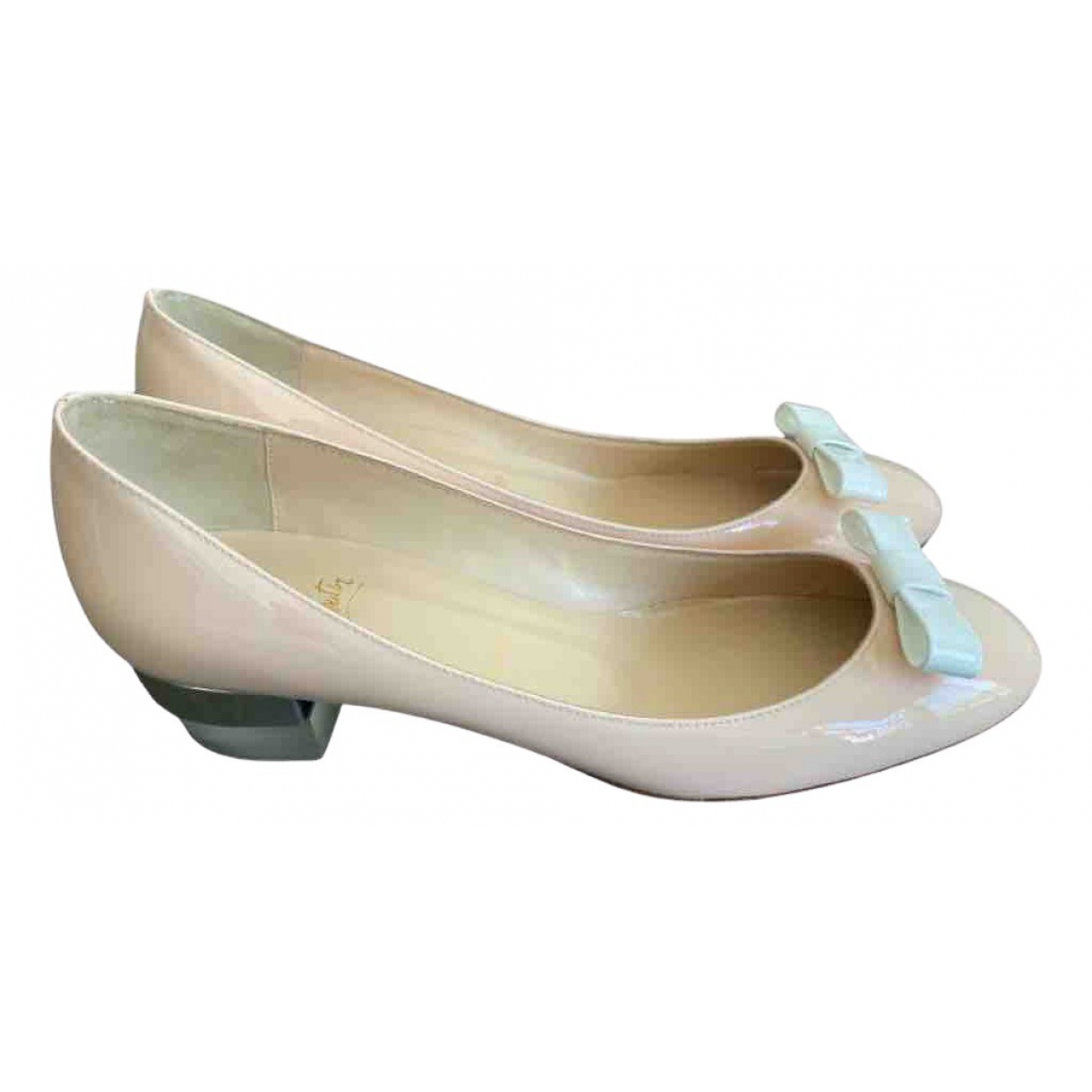 Christian Louboutin \N Beige Patent leather Ballet flats for Women 41 EU