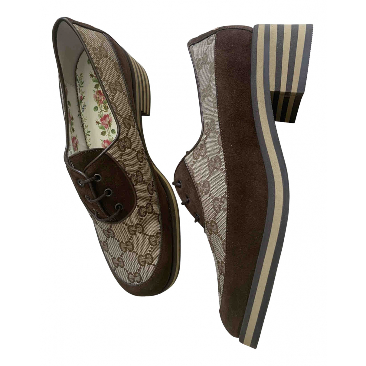 Gucci \N Camel Cloth Lace ups for Women 40 IT