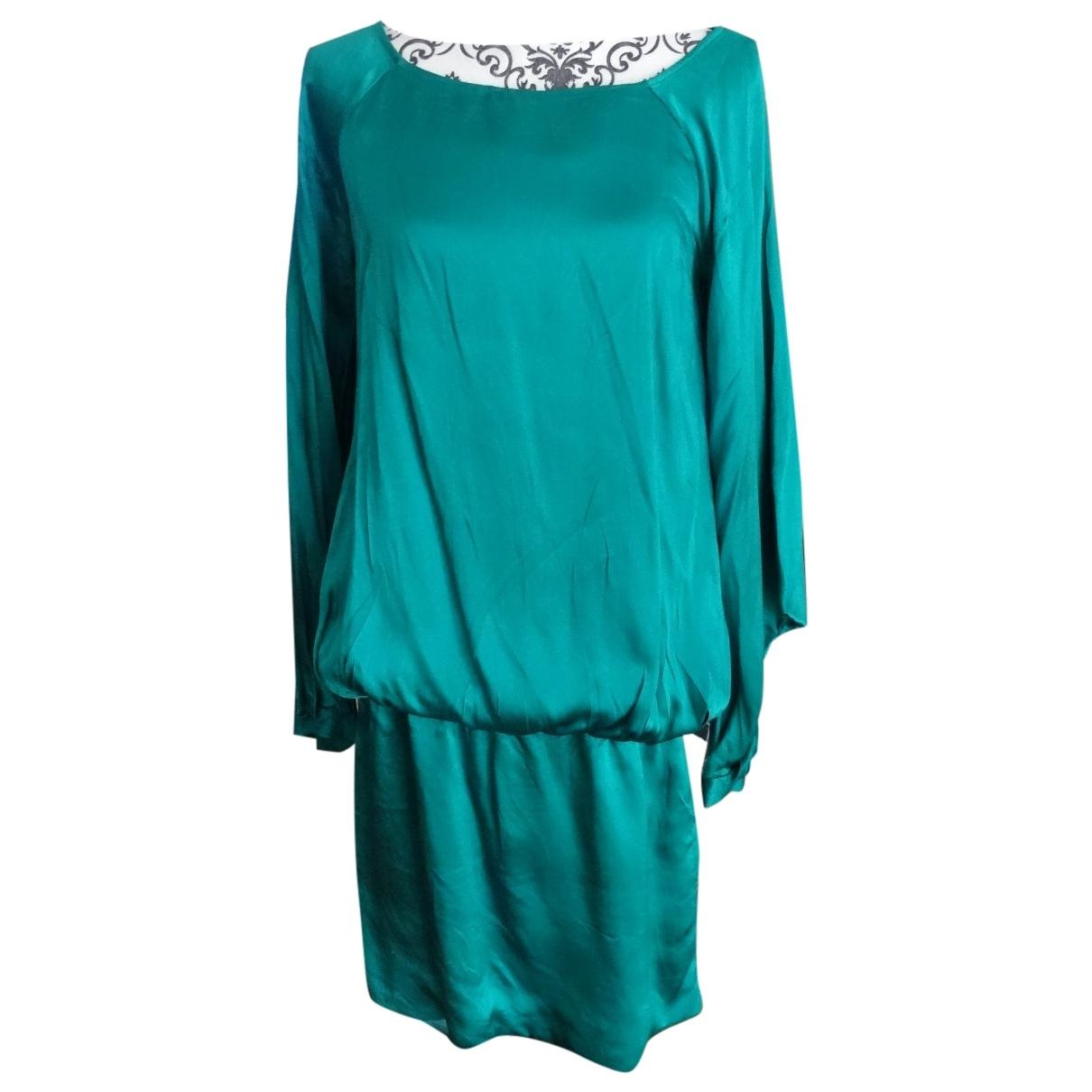 Maje \N Green Silk dress for Women 38 FR