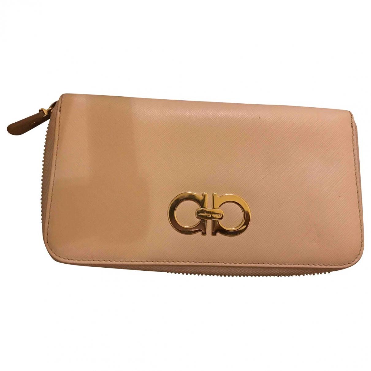 Salvatore Ferragamo \N Beige Leather wallet for Women \N