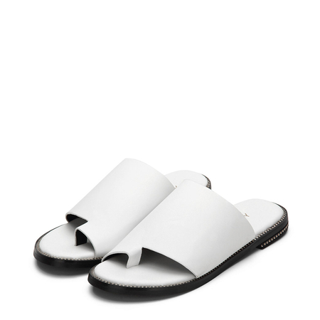 Yoins White Simple Style Leather Look Toe Strap Metallic Embellishment Slippers