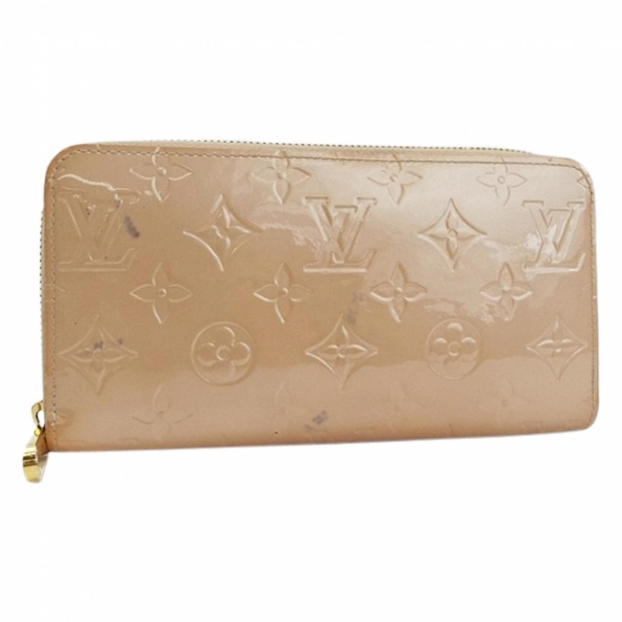 Louis Vuitton Zippy Beige Patent leather wallet for Women \N