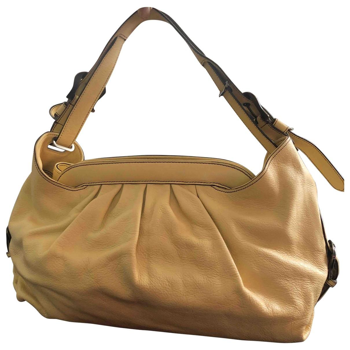 Fendi \N Yellow Leather handbag for Women \N