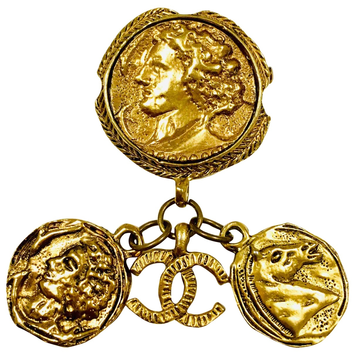 Chanel \N Gold Metal Pins & brooches for Women \N