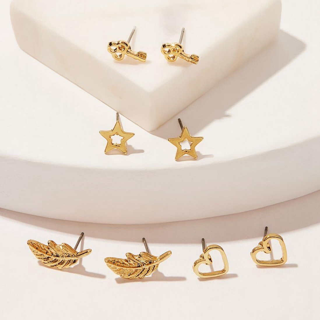 Trendy 4 Pcs Hollow Earring Stud Set Star Peach Heart Leaves Metal Geometric Earrings