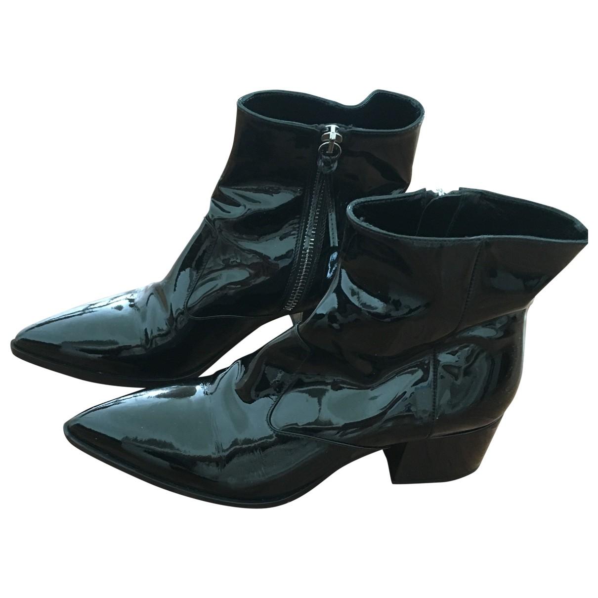Miu Miu \N Black Patent leather Ankle boots for Women 34.5 EU