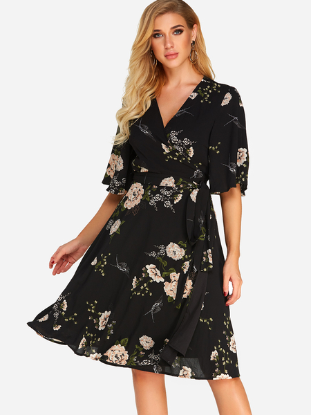 Yoins Black Wrap Design Random Floral Print V-neck Half Sleeves Dress