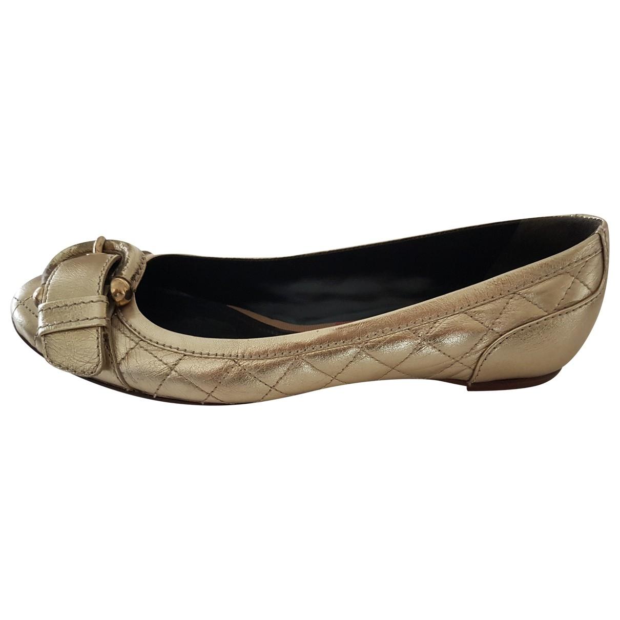 Burberry \N Gold Leather Ballet flats for Women 37 EU