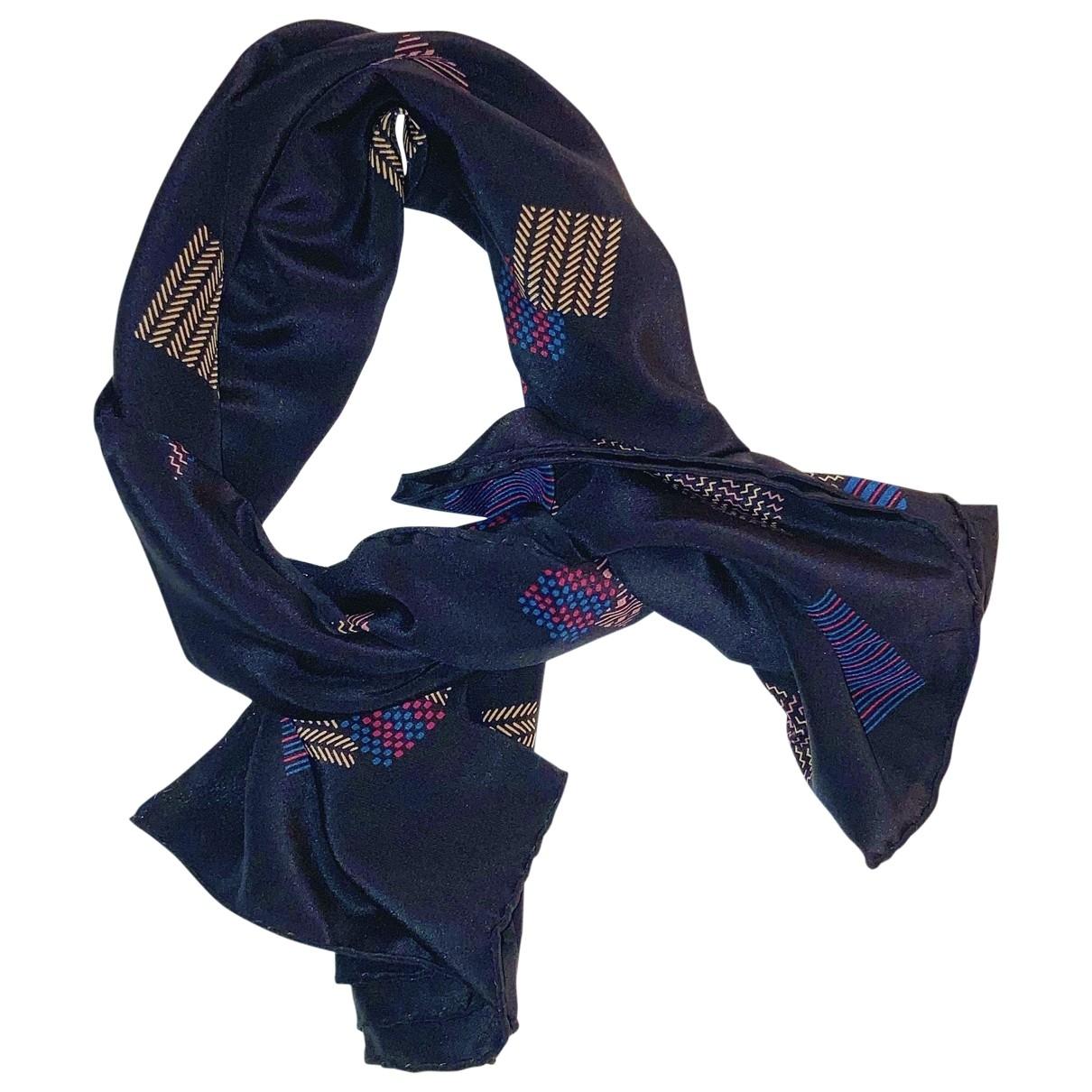 Fendi \N Black Silk scarf for Women \N