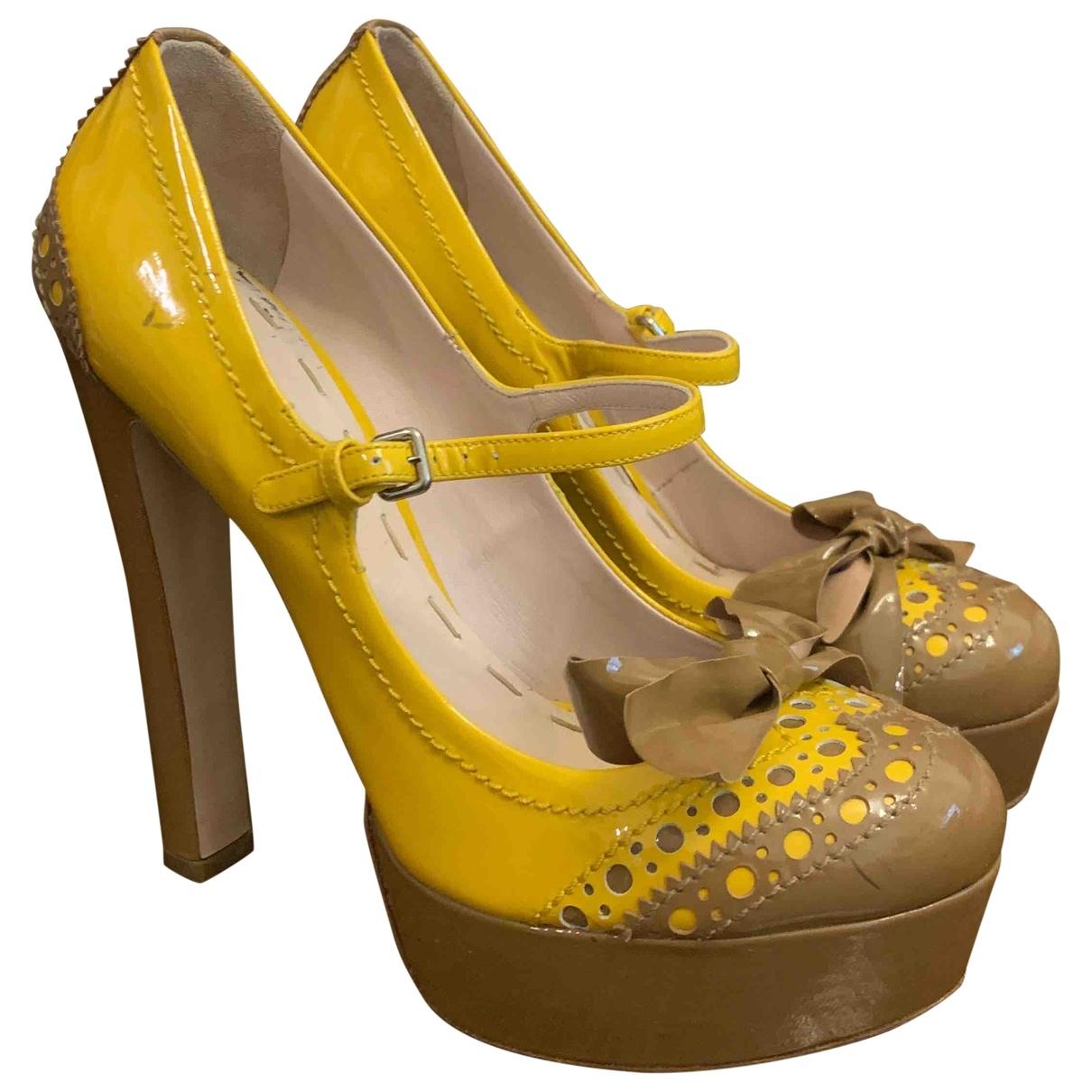 Miu Miu \N Yellow Patent leather Heels for Women 40 EU