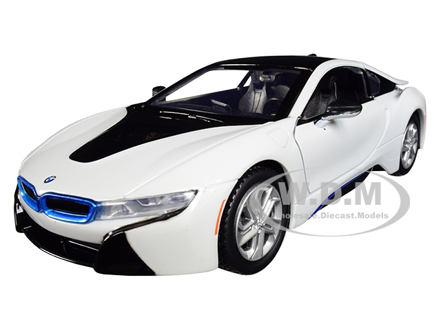 2018 BMW i8 Coupe Metallic White with Black Top 1/24 Diecast Model Car by Motormax
