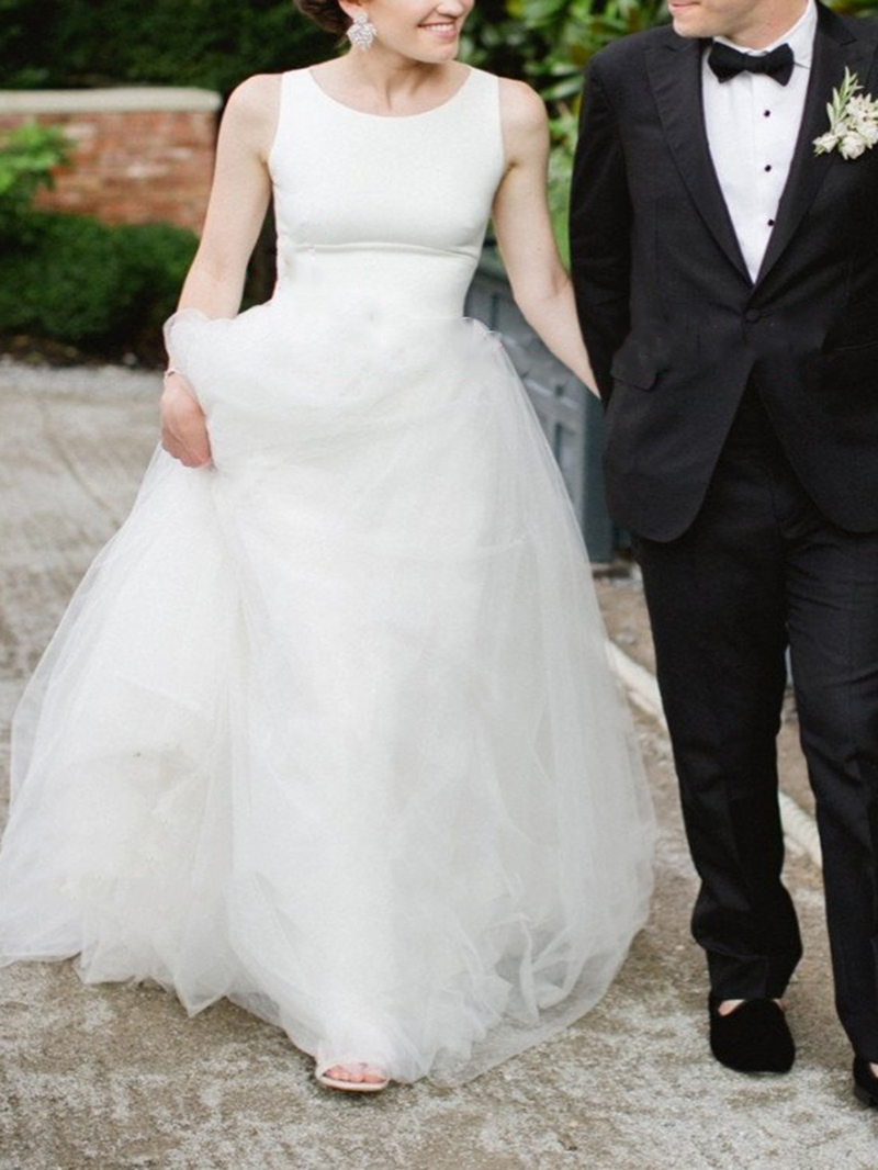Ericdress Scoop Neck Button Sheer Back Outdoor Wedding Dress