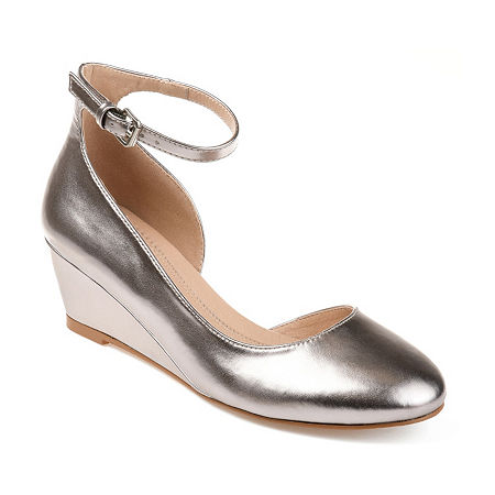 Journee Collection Womens Seely Pumps Buckle Round Toe Wedge Heel, 6 1/2 Medium, Gray