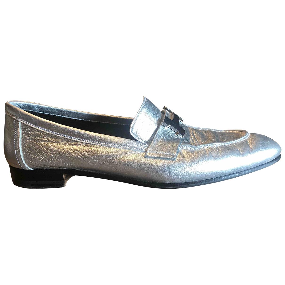 Hermès Paris Silver Leather Flats for Women 38 EU
