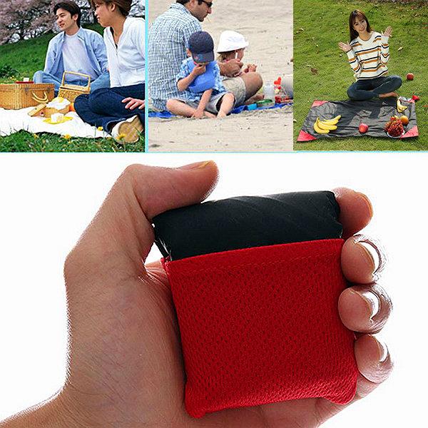 59*71 Inches Moistureproof Waterproof Pockets Picnic Mats Portable Outdoor Junket Carpet Beach Mats