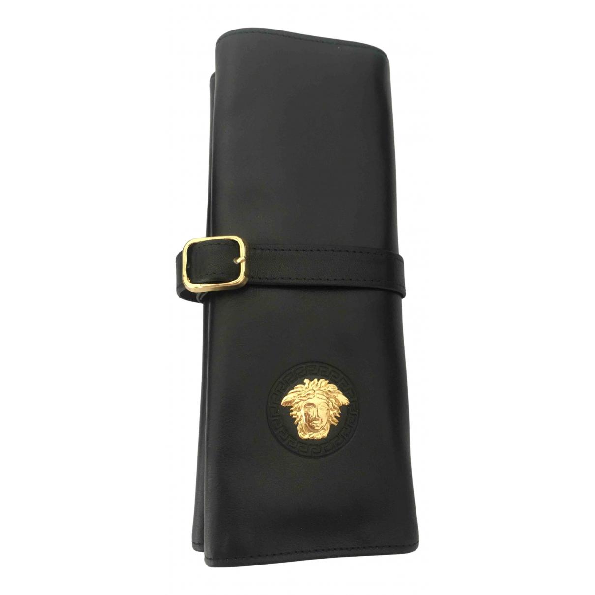 Versace \N Black Leather Travel bag for Women \N