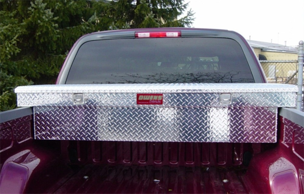 Owens Products 41016 Truck Tool Box Garrison Series Crossover Style / Full Size / Diamond Tread Aluminum / Bright Polished /