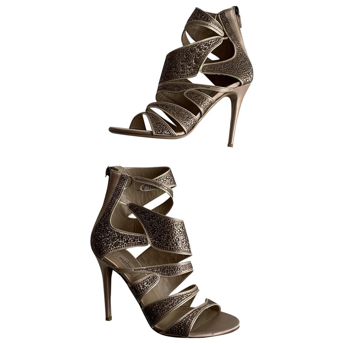 Valentino Garavani \N Gold Leather Sandals for Women 39 IT