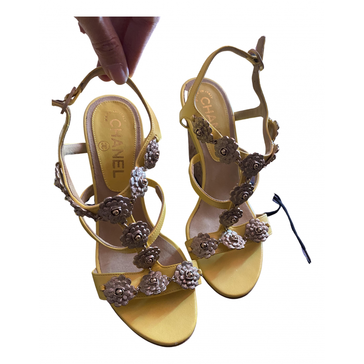 Chanel \N Yellow Leather Sandals for Women 36 EU
