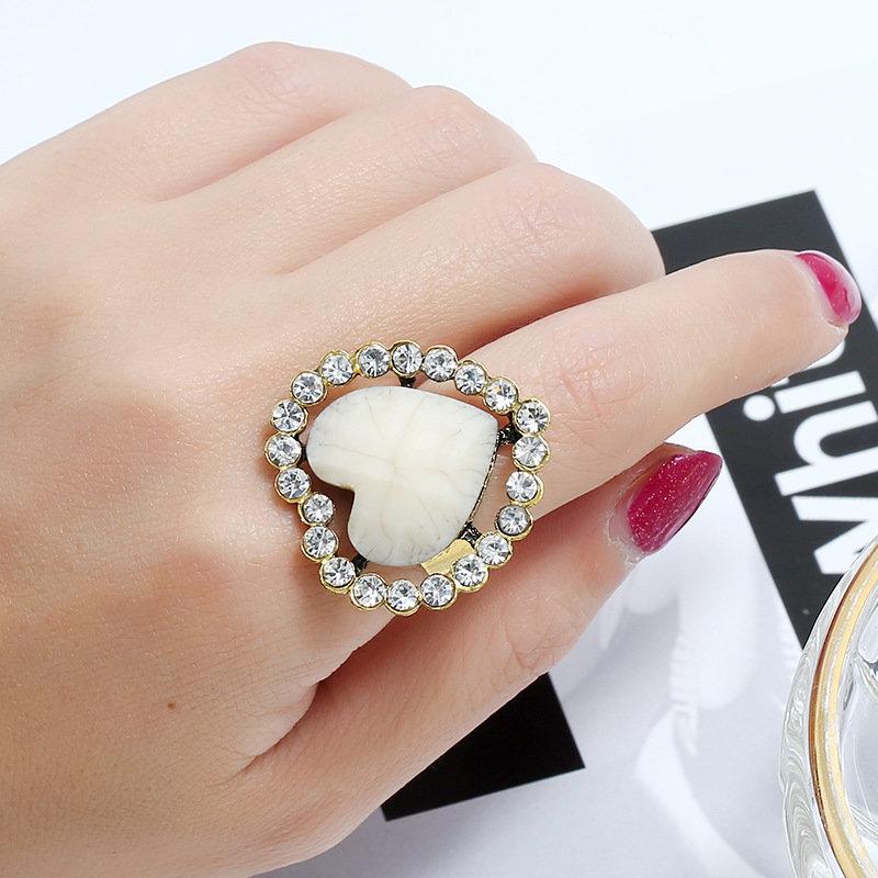 Vintage Geometric Stereoscopic Peach Heart Ring Metal Hollow Rhinestone Open Finger Ring